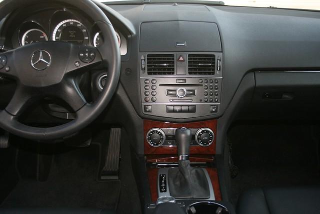 2010 Mercedes C300 4Matic Interior Center Console