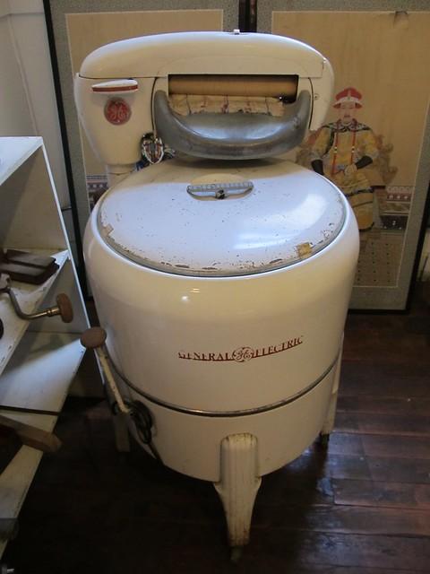 1950 Washing Machine ~ A d z g