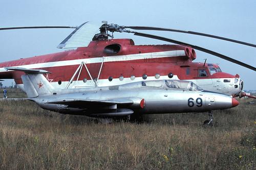 69b L-29