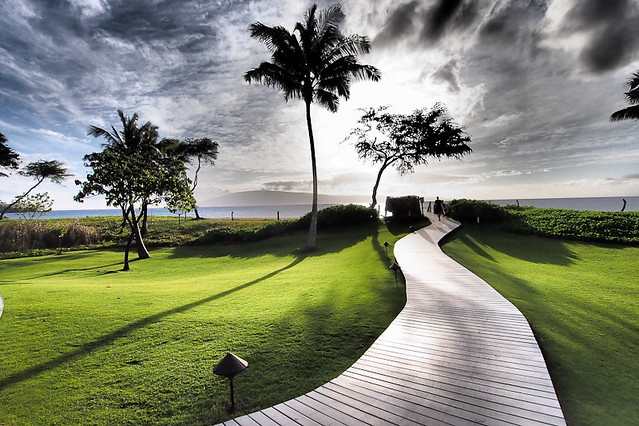 Maui walkway