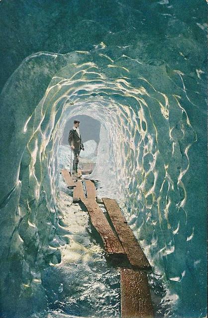Eisgrotte am Rhonegletscher