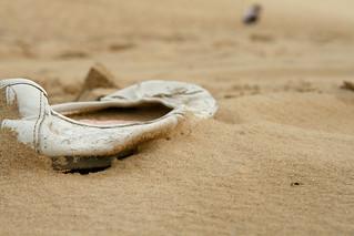 Abandoned shoe on Carlo Sandblow