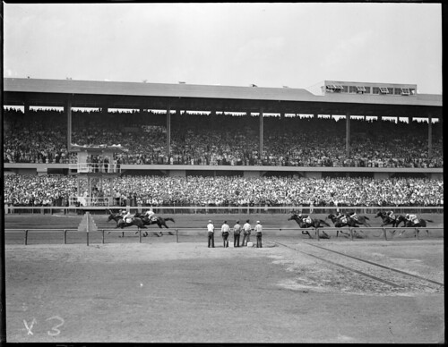 Horseracing and fans - Narragansett Park, Pawtucket, R.I.