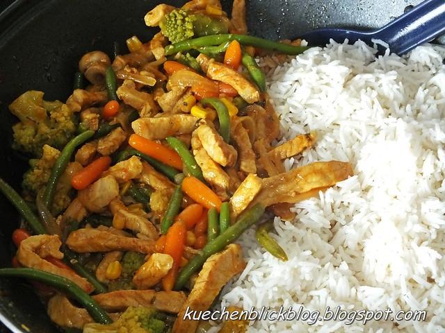 Kunterbunte Pfanne mit Reis