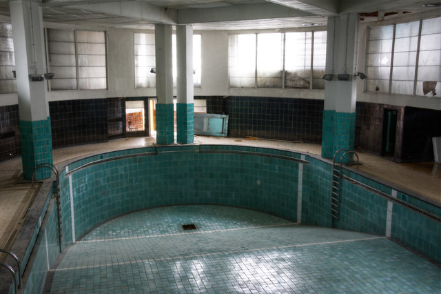 Piscine art deco 19 flickr photo sharing for Art deco piscine