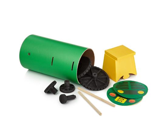 Tube-Toys_Tractor1_Oscar-Diaz