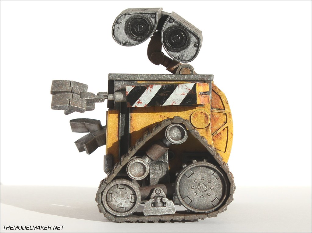 Custom engagement ring box Wall-E 3