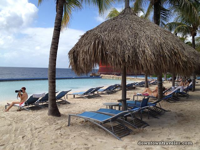 Renaissance Curacao Hotel_Infinity Beach 02