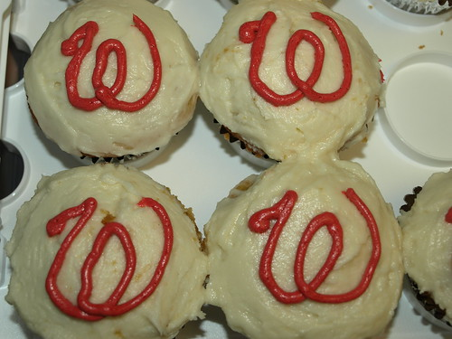 curly W cupcakes