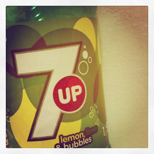 7up always reminds me of our family vacations in Florida back in the days when it wasn't available in Germany...I can't believe there was a time when 7up was not available here