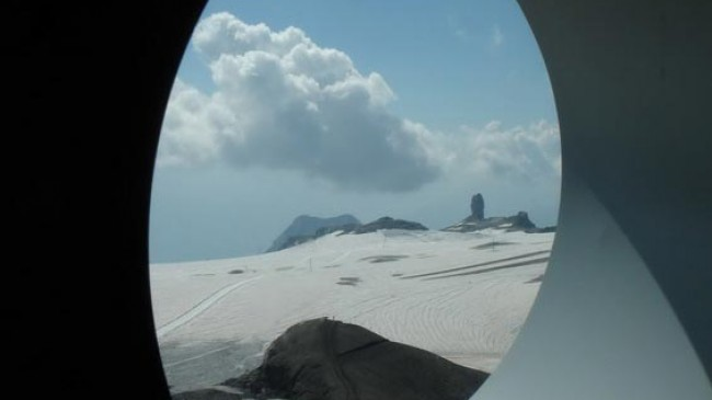 Z Glacier3000 k pramenu řeky Saane