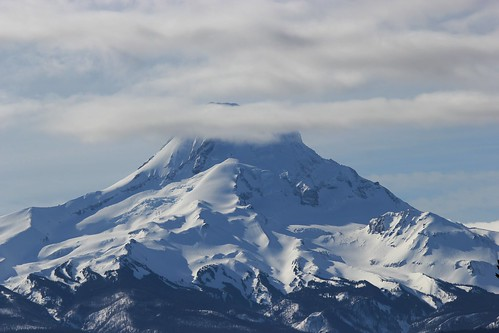 Mt Hood viewed from Hood River Valley