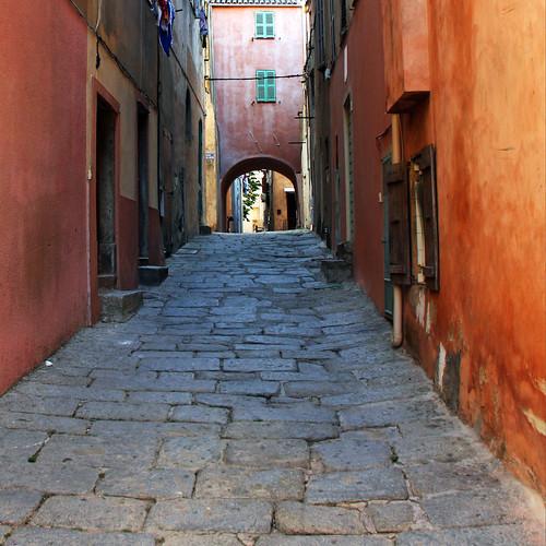 Street from l'ile de rousse ( Corse ) by Zé Eduardo...