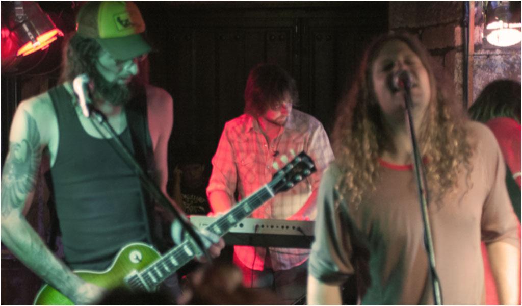 Dirty York, en la sala Los Picos de Liérganes, el 09 de Abril de 2012.