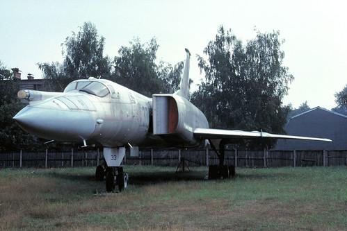 33g Tu-22