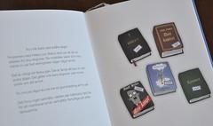 """Foto av text och bild ur boken """"Gud finns nog inte""""  av Patrik Lindenfors och Vanja Schelin"""