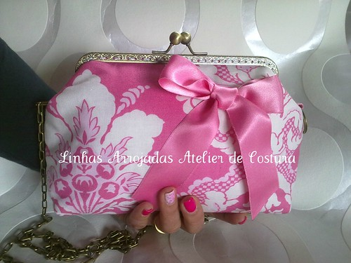 clutch rosa com laço em cetim  by ♥Linhas Arrojadas Atelier de costura♥Sonyaxana