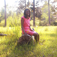 [Free Images] People, Women - Black, Laugh / Smile, People - Forest, American People ID:201205011800
