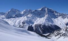Podejście dolina Zaytal, w tle Konigspitze (Gran Zebru, 3851 m), Monte Zebru (3738m) i Ortler (3905 m)