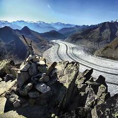 Oblast Aletsch na osluněné vysokohorské plošině