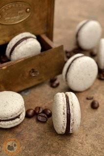 Coffee & walnut macarons