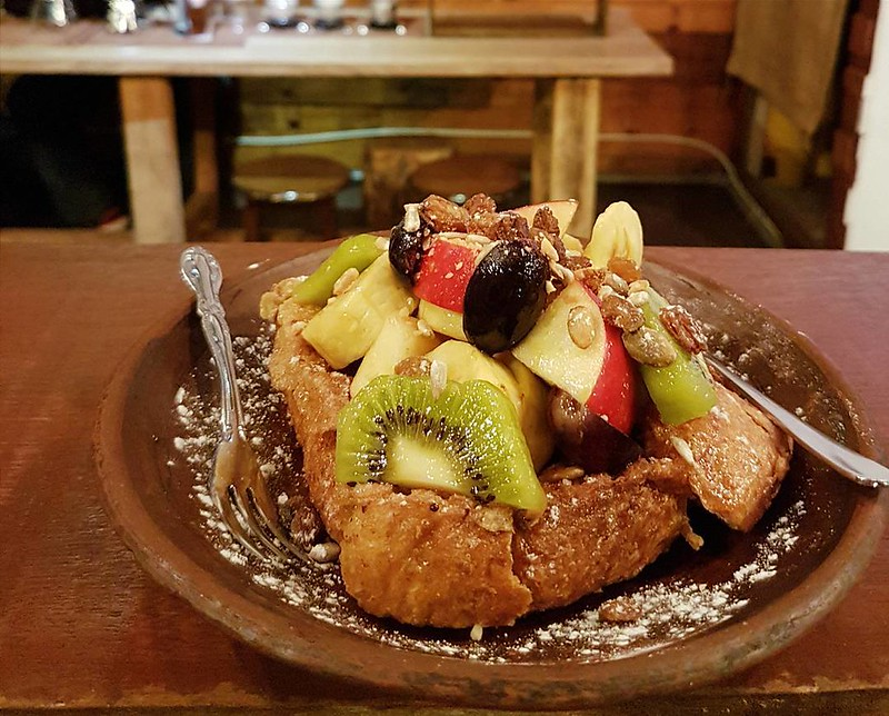 Sunday happiness😘. Fruit french toast at October Cafe jalan Dewan.