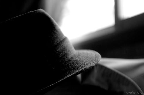 100 Palabras. 53.- Sombrero by uveñe