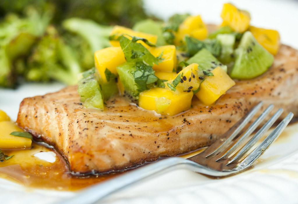三文魚芒果加奇異果沙拉 - 聽雪 - 健康、美食、生活网