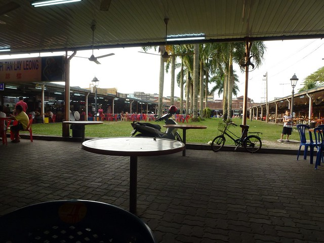 The outdoor food court