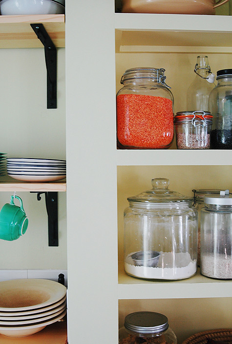 redlentils-jar-shelf