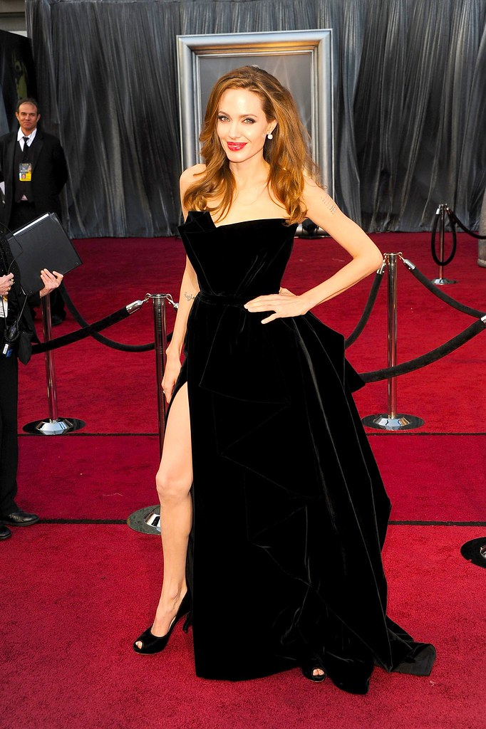 140013992_Angelina Jolie_Oscars 26 02 2012_WEB Expires 26 02 2012 PRESS Expires 26 02 2013.jpg