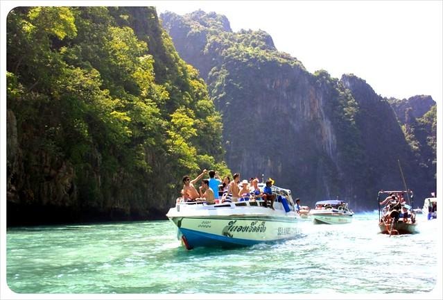 phi phi lei tourist boats