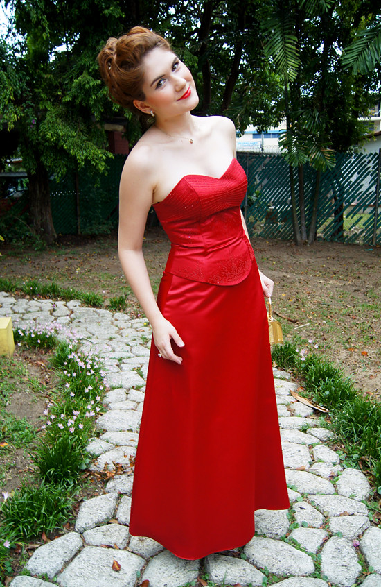 Outfit post: Lady in Red (1)