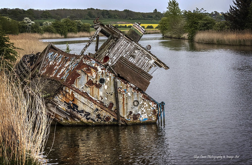 old uk urban broken river rust cheshire riverside sink decay explore shipwreck locks smashed weaver navigation wrecked dutton