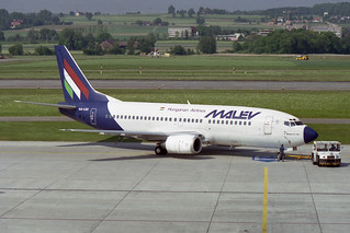 Malev - Hungarian Airlines Boeing 737-3Y0 HA-LED