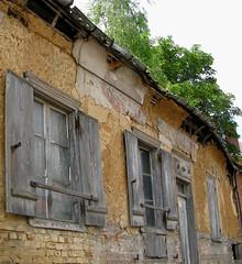 Saint-Riquier (façade en péril) 4443a - Photo of Gorenflos