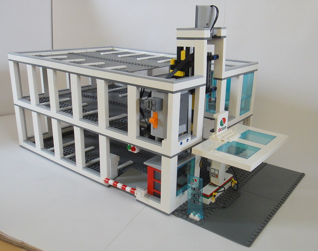 Lego City Car Park My Lego Multistory Car Park With Motori Flickr