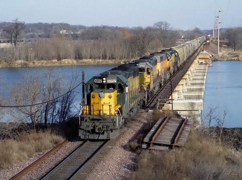 train rail iowa transportation hawkeye