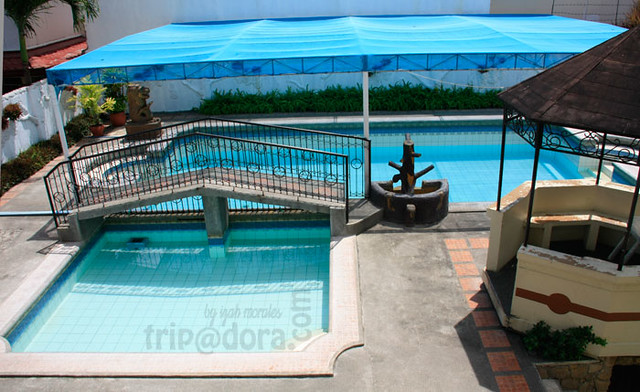 Description: 3-storey building with adult and kiddie pools. Videoke