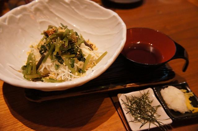 わさび菜と山菜のぶっかけサラダ