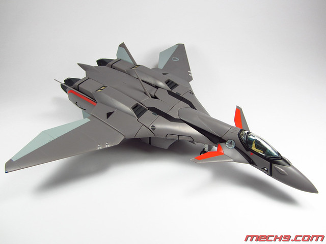 1/60 VF-11B by Yamato Toys in Fighter Mode