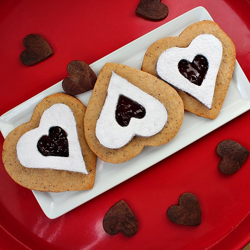 Linzer Hearts Red