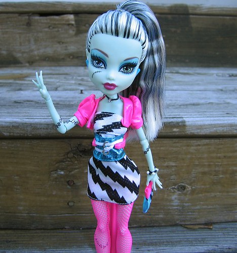 """Hi! I'm 1980's fashion victim Frankie!"" by Leenechan"