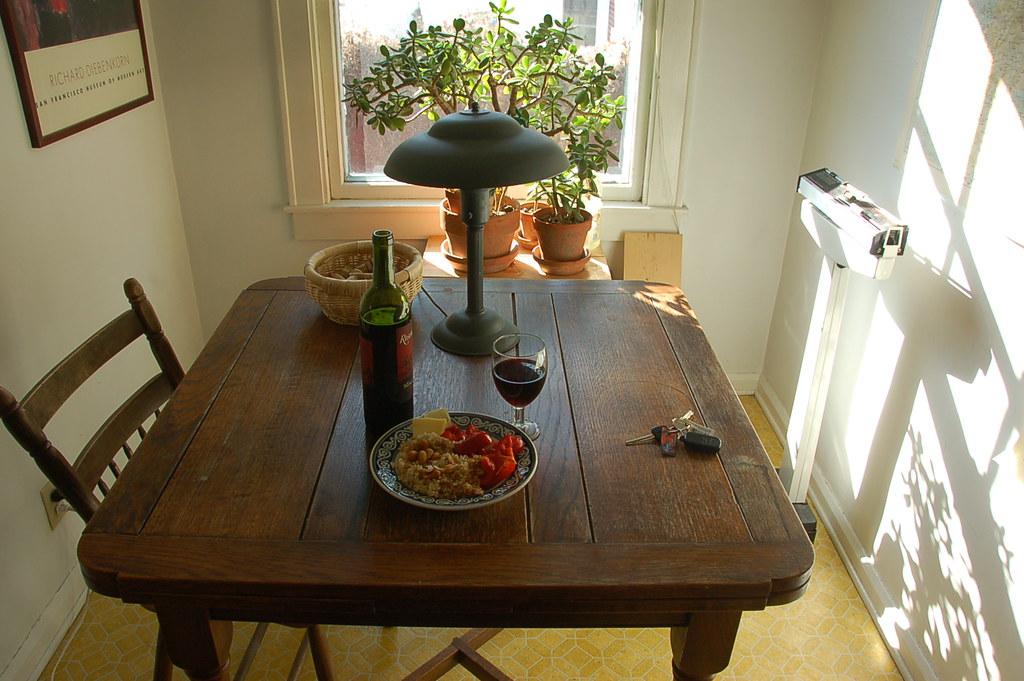 almuerzo del hombre solo