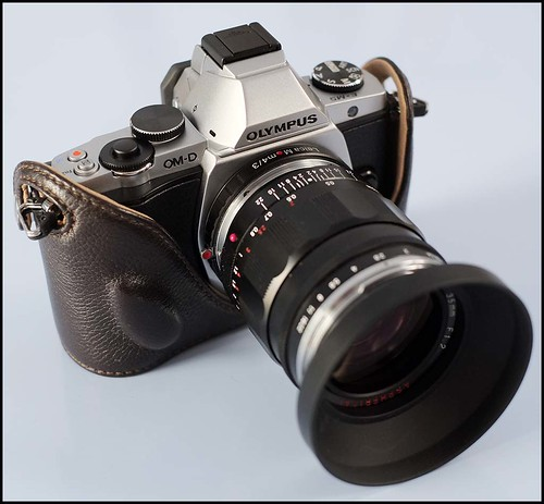 OLYMPUS OM-D EM-5 Voigtlander 35mm f.1.2