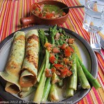 Rezepte mit Spargel: ©Gebratener Spargel mit Orangenvinaigrette und Kräuterflädle