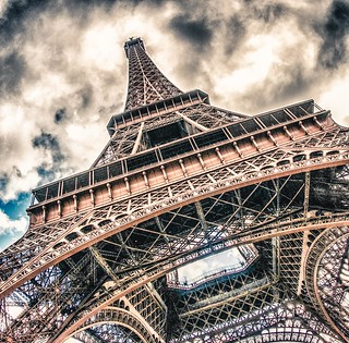 ~ drama at the Eiffel Tower ~