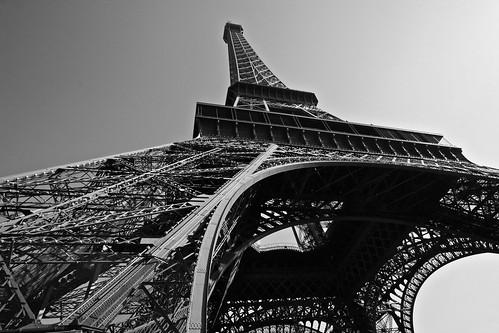 [フリー画像素材] 建築物・町並み, 塔・タワー, エッフェル塔, 風景 - フランス, フランス - パリ, モノクロ ID:201204111600