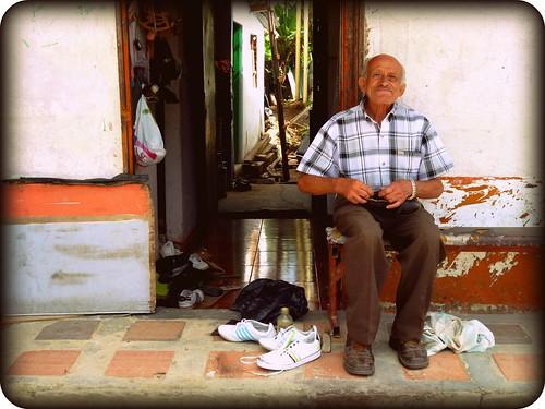 Don Víctor, el zapatero