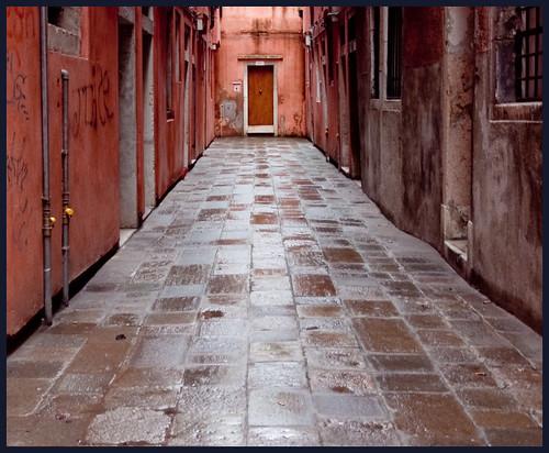 rode straat by hans van egdom